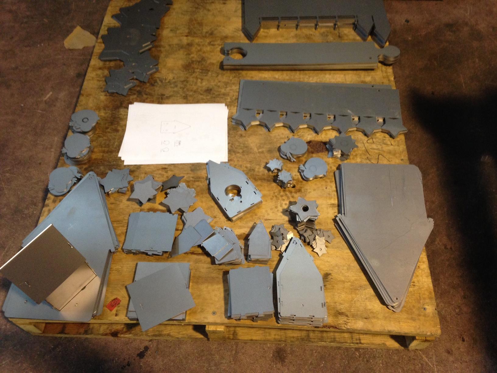 Zanzotti design elementi d 39 arredo in ferro per bambini for Lavagne magnetiche da arredo